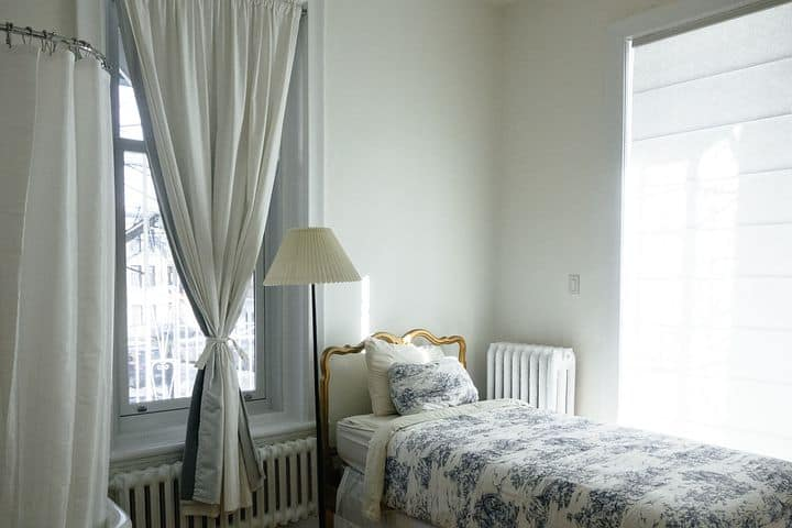 How To Choose Right Curtains For Home Decoration?